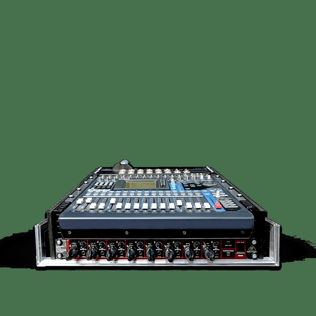 Flight case con modulo canali aggiuntivi e cablaggio per mixer Yamaha OIV96
