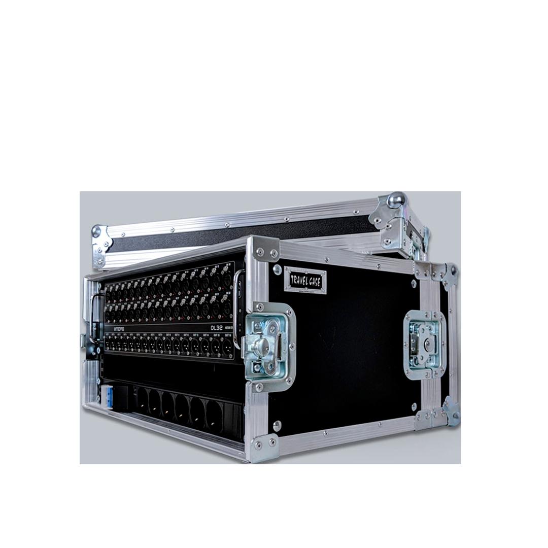 Flight case rack con ciabatta elettrica integrata