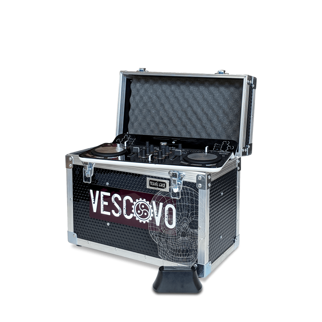 Flight case per trasporto attrezzatura DJ con targhetta personalizzata